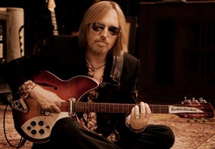 "Tom Petty's ""Keep A Little Soul"" Is The First Taste Of A Vault-Busting New Box Set"