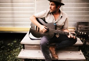 "Great Sand Dunes National Park Stars In Gregory Alan Isakov's Video For ""San Luis"""