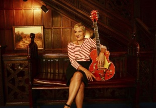 Listen To Ron's Interview With Jill Sobule