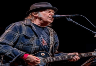 This Week in Music History: Neil Young, Ray Charles, and REM